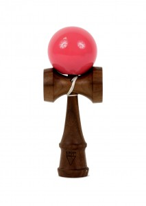 kendama_krom_deluxe_walnut_rubber_pink_face