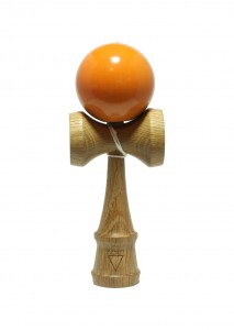 kendama_krom_deluxe_smoked_red_oak_orange_face