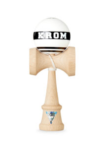 krom_kendama_strogo_white_face