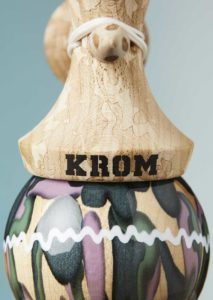 kendama_krom_plasticity_naked_umbra_stripe